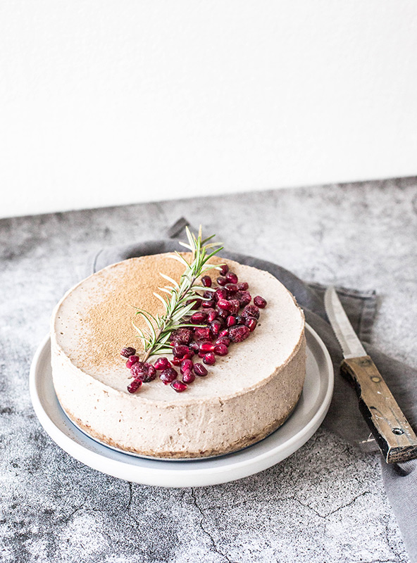 Raw Lebkuchen Cheesecake